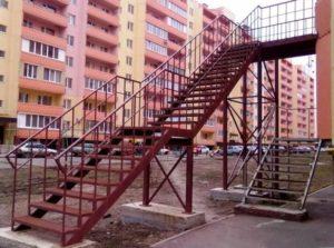 Эвакуационная лестница металлическая